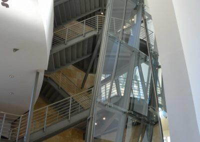 Gug escalier penché